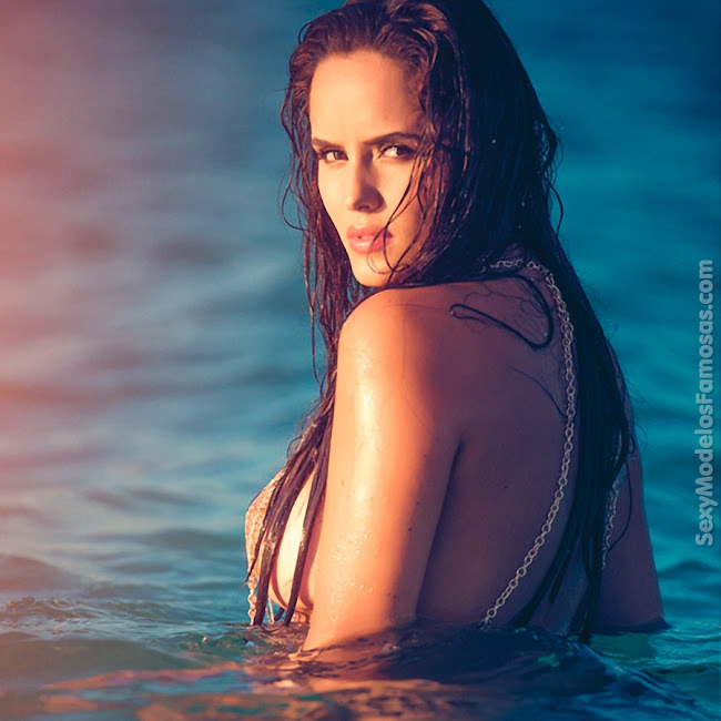 Ana Lucia Dominguez Desnuda SoHo Foto 34