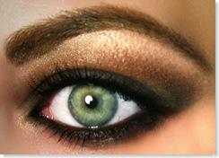 How to Do a Great Smokey Eye - Beauty and Personal Grooming Pic 1