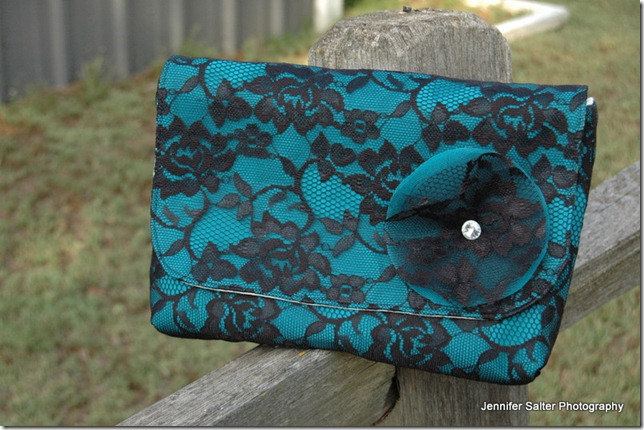 lace overlay clutches 024-001