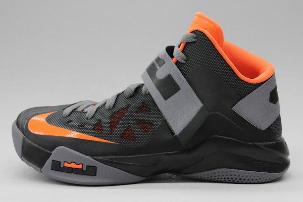 Series de tiempo Frank Worthley arrendamiento  New Nike Zoom LeBron Soldier VI – Black/Orange – Available | NIKE LEBRON - LeBron  James Shoes