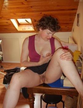 mature small tits downblouse