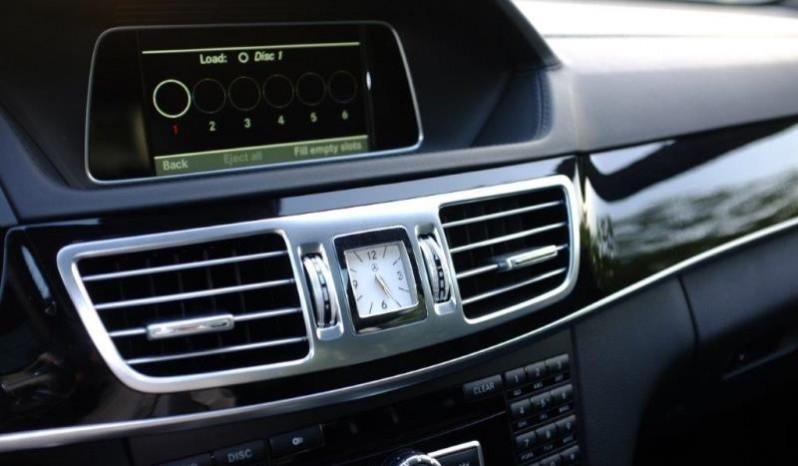 Nội thất xe Mercedes Benz E250 cũ màu xám 012