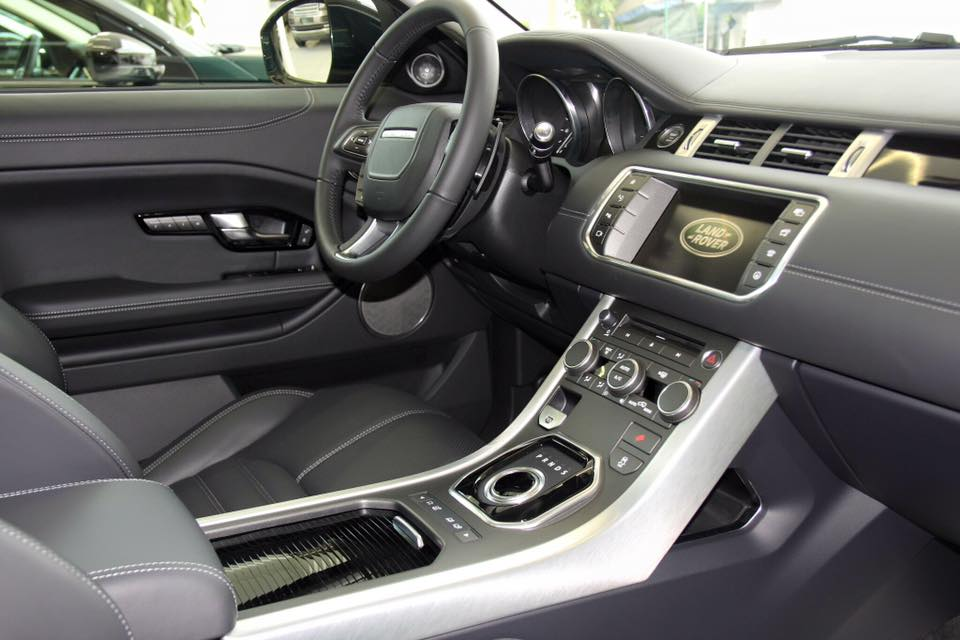 Nội thất xe Range Rover Evoque 09