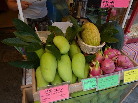 Excursie in China: Sucuri de fructe exotice Asia
