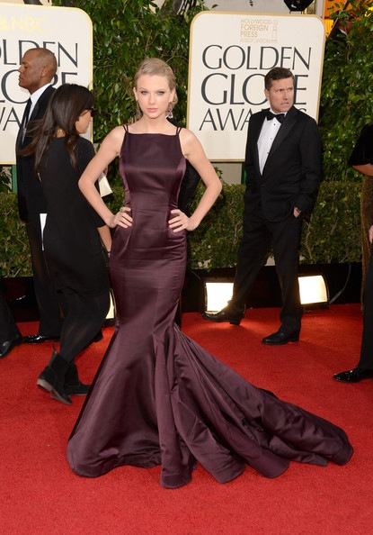 Taylor Swift arrives at the 70th Annual Golden Globe Awards (1)