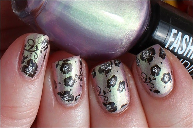 Flowers duochrom Nail Art 2