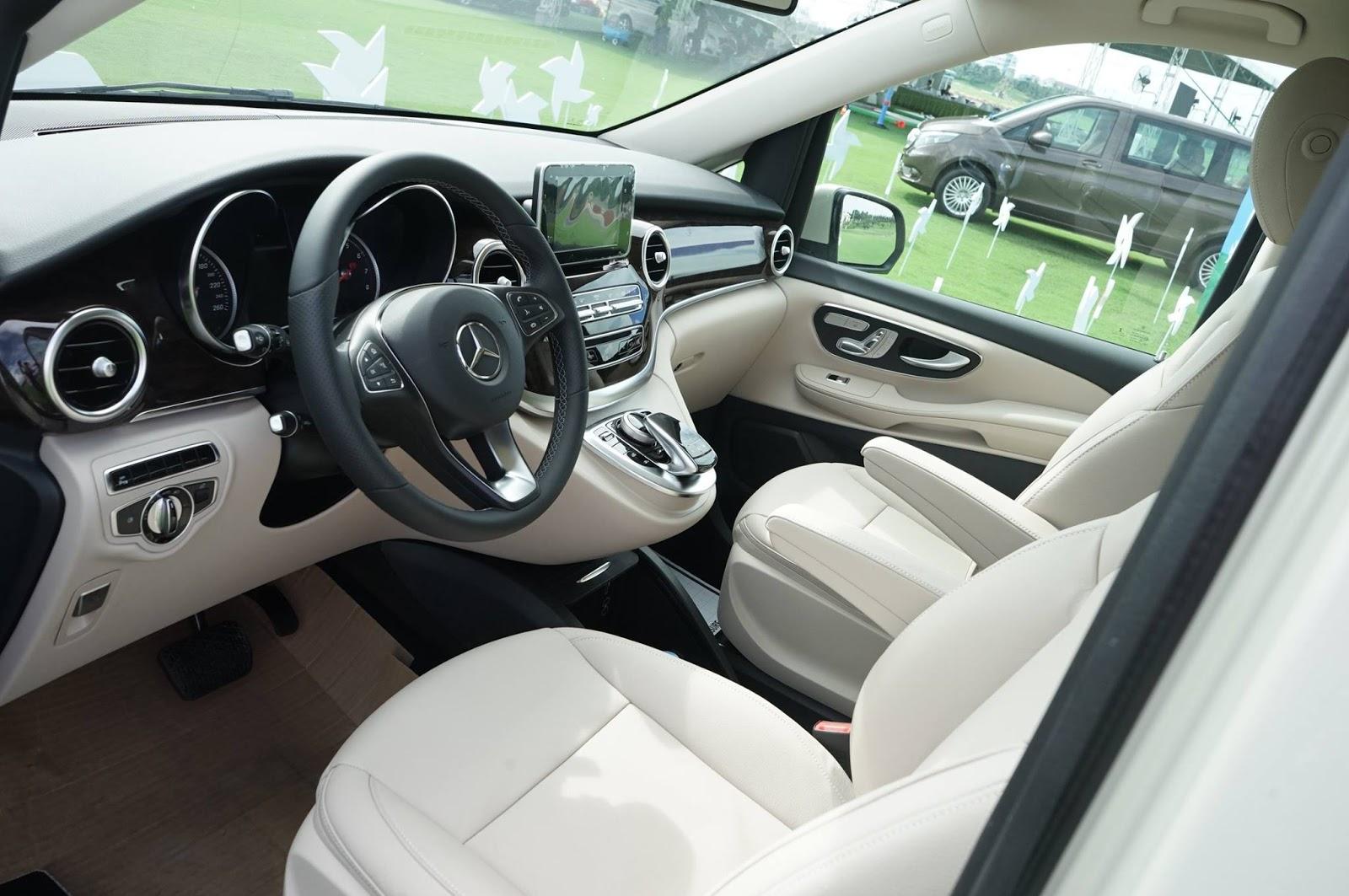 Nội thất xe Mercedes Benz V250 Avantgarde Máy Xăng màu trắng 01
