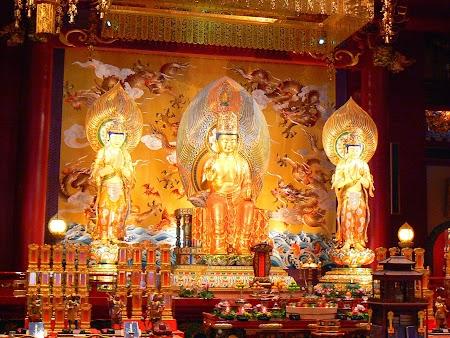 04. Templul budist din Singapore.JPG
