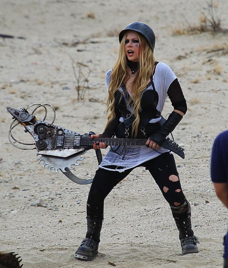 Avril Lavigne Filming her Video Rock N Roll in Palmdale 7
