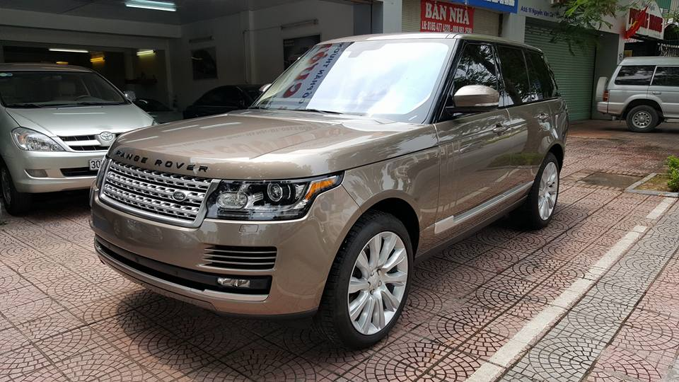 Ngoại thất xe Range Rover HSE Màu Vàng Cát 02