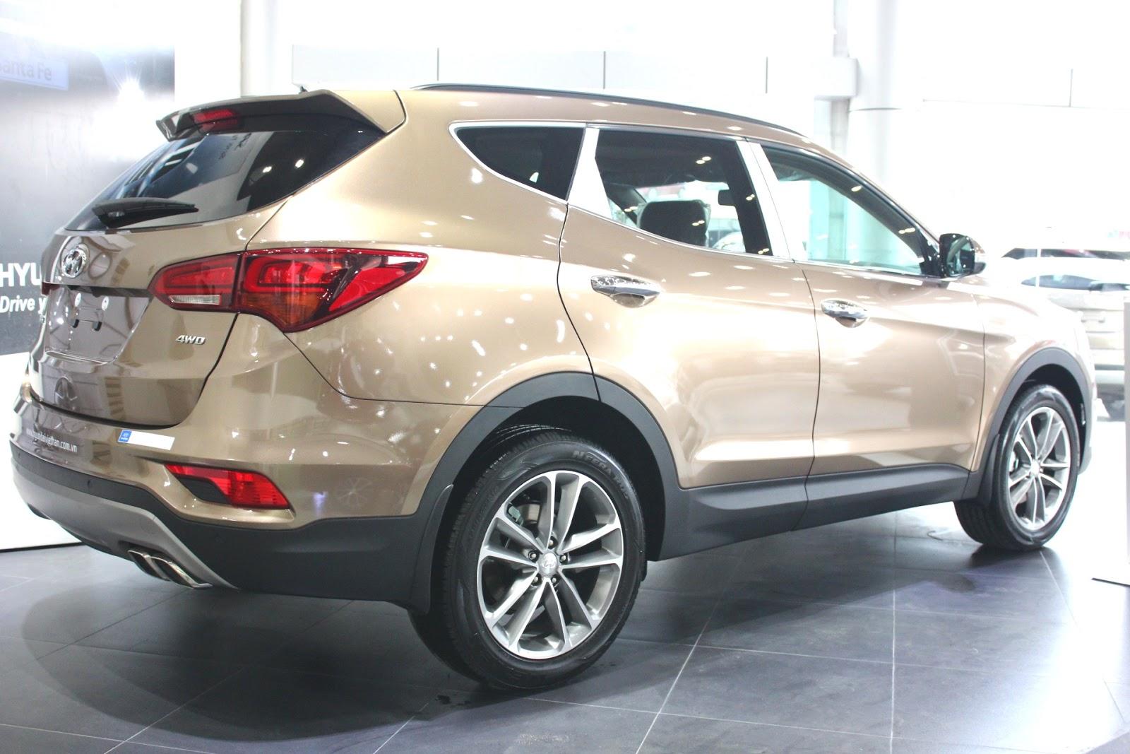 Xe Hyundai Santafe New Model màu vàng cát 07