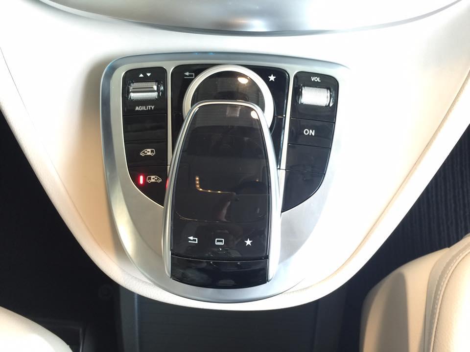 xe Mercedes Benz V220 Máy Dầu 021