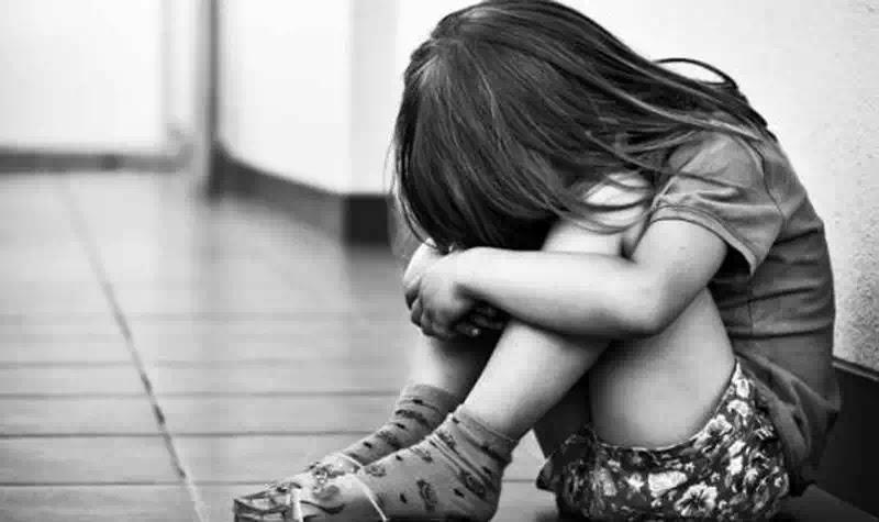 Tàn nhẫn - 6 bệnh viện và bác sĩ từ chối khám cho cháu bé bị xâm hại