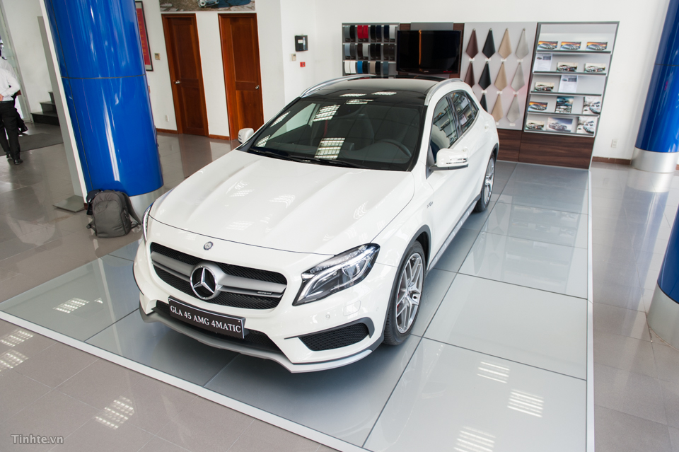 xe Mercedes Benz GLA45 AMG 4Matic New Model 05