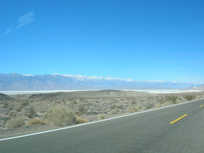 168 - Sierra Nevada y el lago salado.JPG