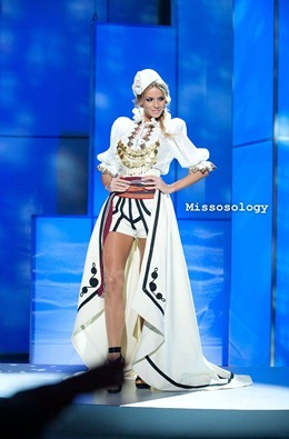 miss-uni-2011-costumes-19