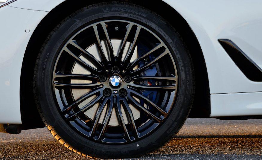 Xe BMW 528i New Model màu trắng 05