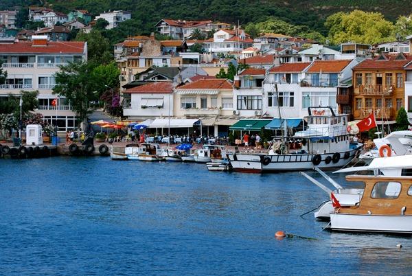 Image result for جزيرة الاميرات تركيا