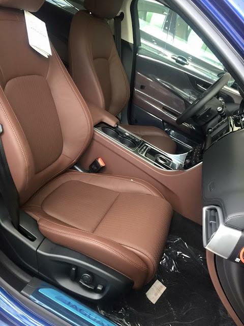 Nội thất xe Jaguar XE Prestige Nhập Khẩu 03