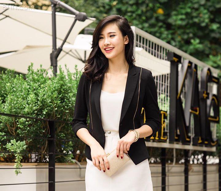 Áo vest khoá Màu: đen, xanh Giảm giá còn 385k Mua hàng