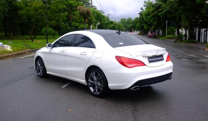 Bán xe Mercedes Benz CLA200 cũ 2015 màu trắng 06
