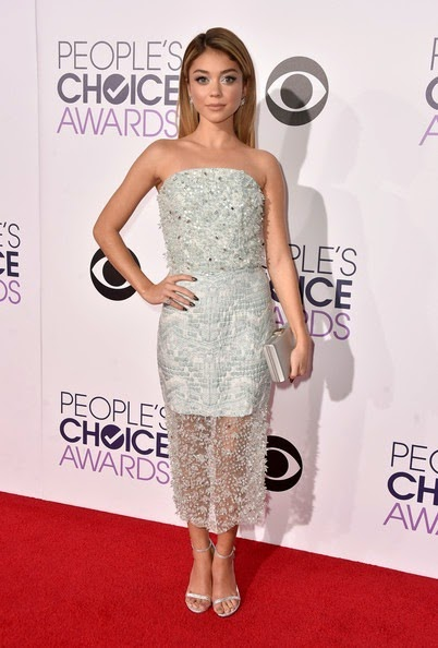 Sarah Hyland attends The 41st Annual Peoples Choice Awards