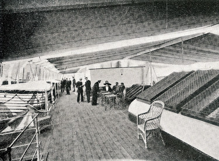 Cubierta de botes del INFANTA ISABEL. De la revista La Vida Maritima. Año 1912.jpg