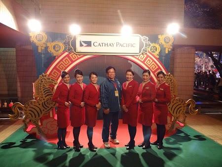 13. Stewardeze Cathay Pacific.JPG