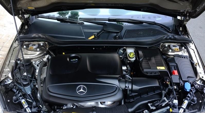 Động cơ xe Mercedes Benz A250 AMG 2014