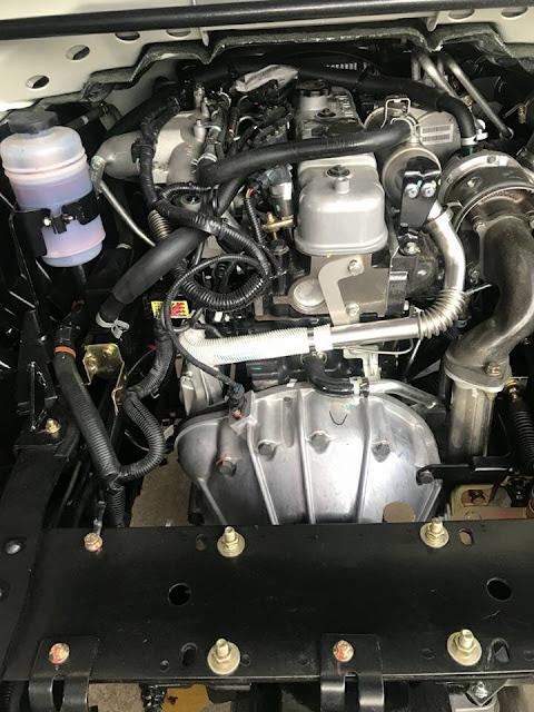 Động cơ xe ben isuzu IZ65s đô thành 2 tấn mạnh mẽ