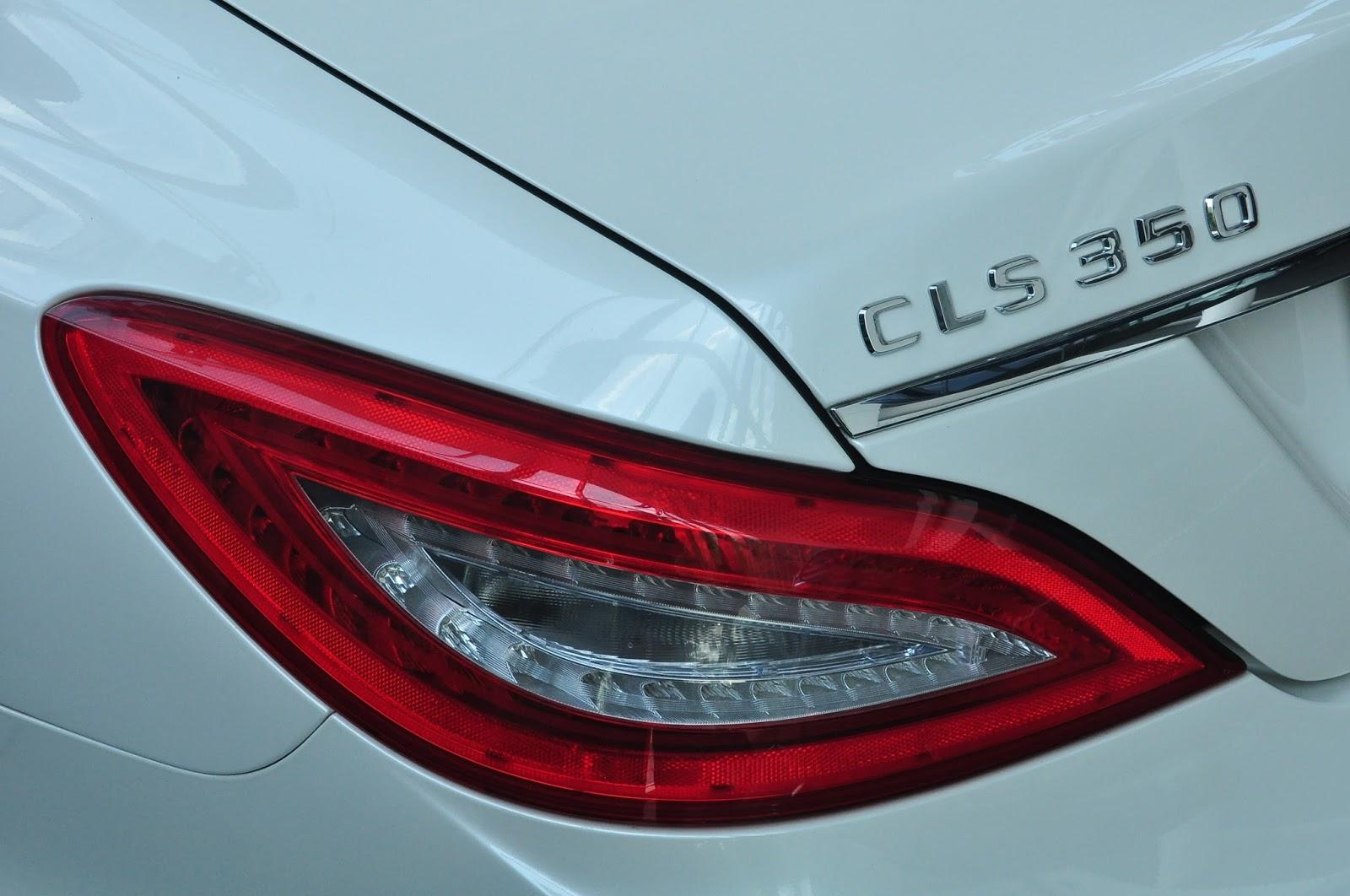 Xe Mercedes Benz CLS350 New Model màu trắng 010