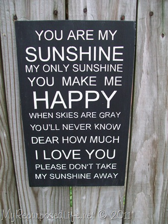 how to make a stenciled sign-you are my sunshine