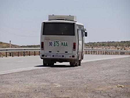 04. Autobuz Uzbekistan.JPG