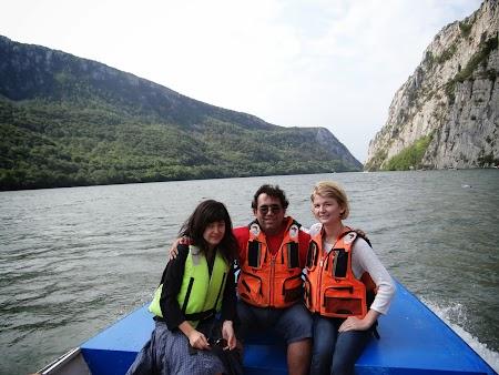 Croaziera pe Dunare: cu Elena Ciric si Adriana Cocic