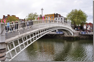 Dublin. Ha Penny's Bridge - DSC_0491