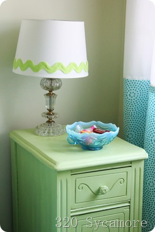 little green table with lamp