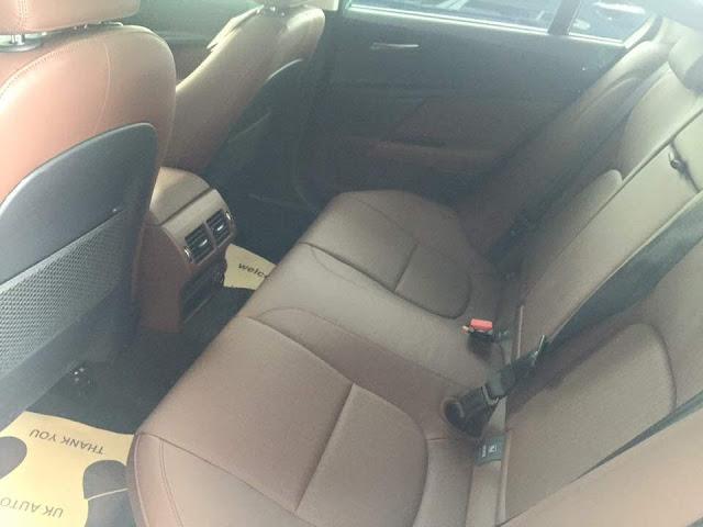 Nội thất xe Jaguar XE Prestige Nhập Khẩu 04