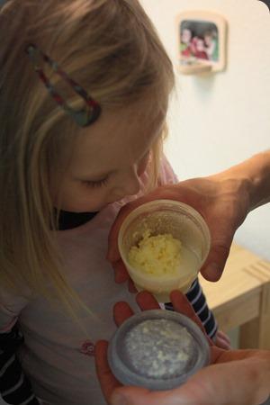buttern mit kindern butter selbst herstellen windelmanufaktur. Black Bedroom Furniture Sets. Home Design Ideas