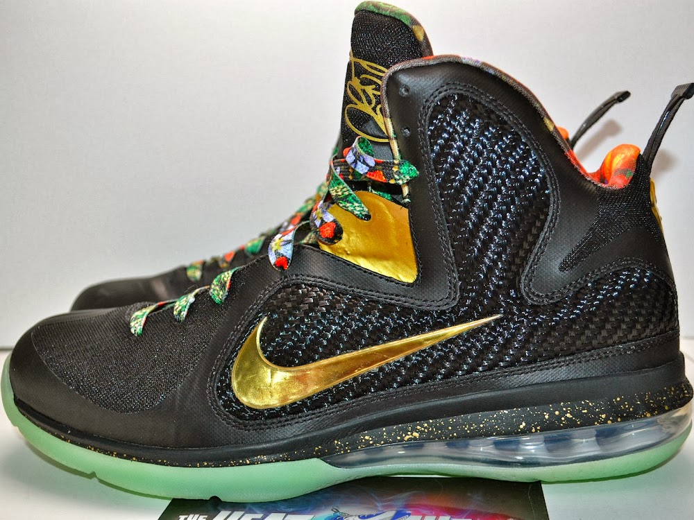 online store 9a8a4 623f7 LEBRON 9 8220Watch the Throne8221 Alternate Version Glows in the Dark ...