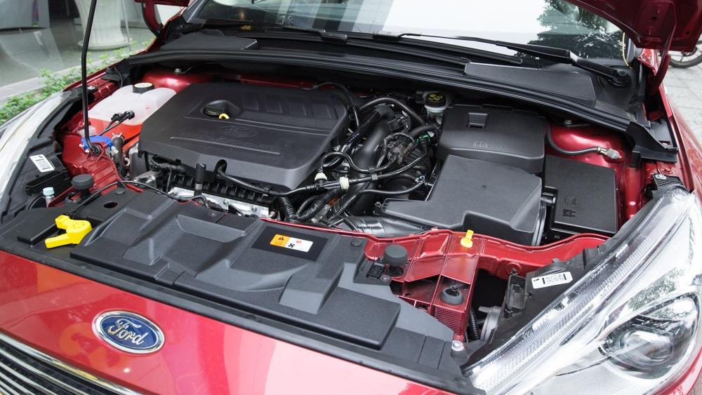 Động cơ xe Ford Focus hoàn toàn mới 1