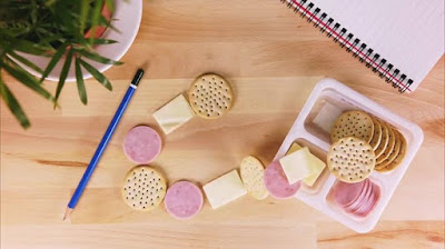 With our Ham and Cheese Lunchables snack time means stack time