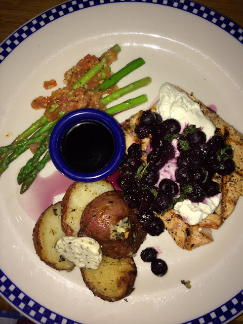 Salmon with goat cheese and blueberries