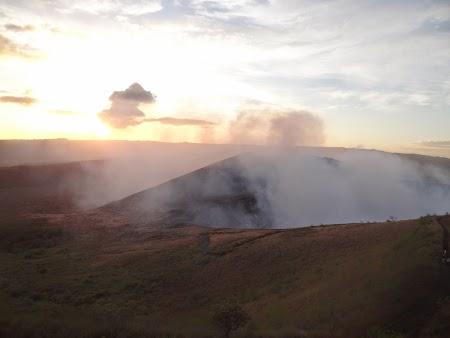 11. Apus de soare peste vulcan.JPG