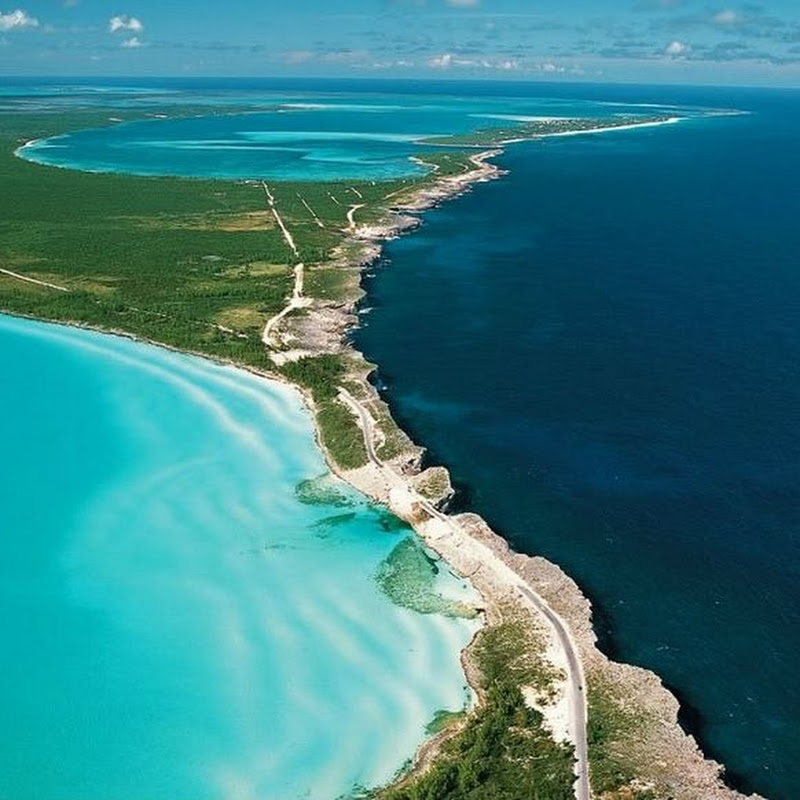 The Atlantic Ocean and The Caribbean Sea at Eleuthera