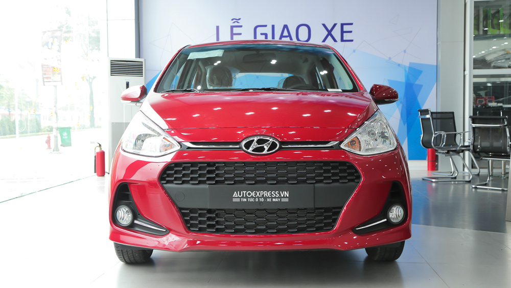 Xe Hyundai Grand i10 2018 màu đỏ 02