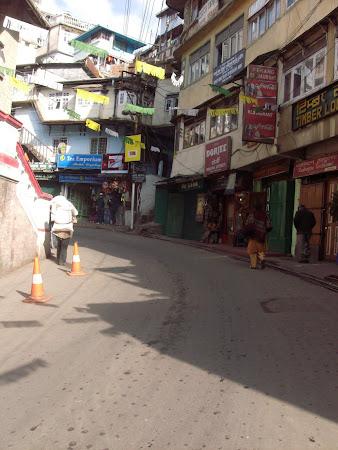 Obiective turistice India: cartierul Chowrasta Darjeeling