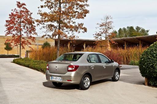 2013-Renault-Symbol-02.jpg