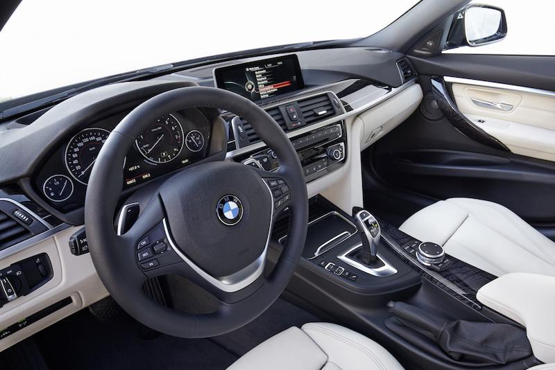 Nội thất xe BMW 320i new model 02