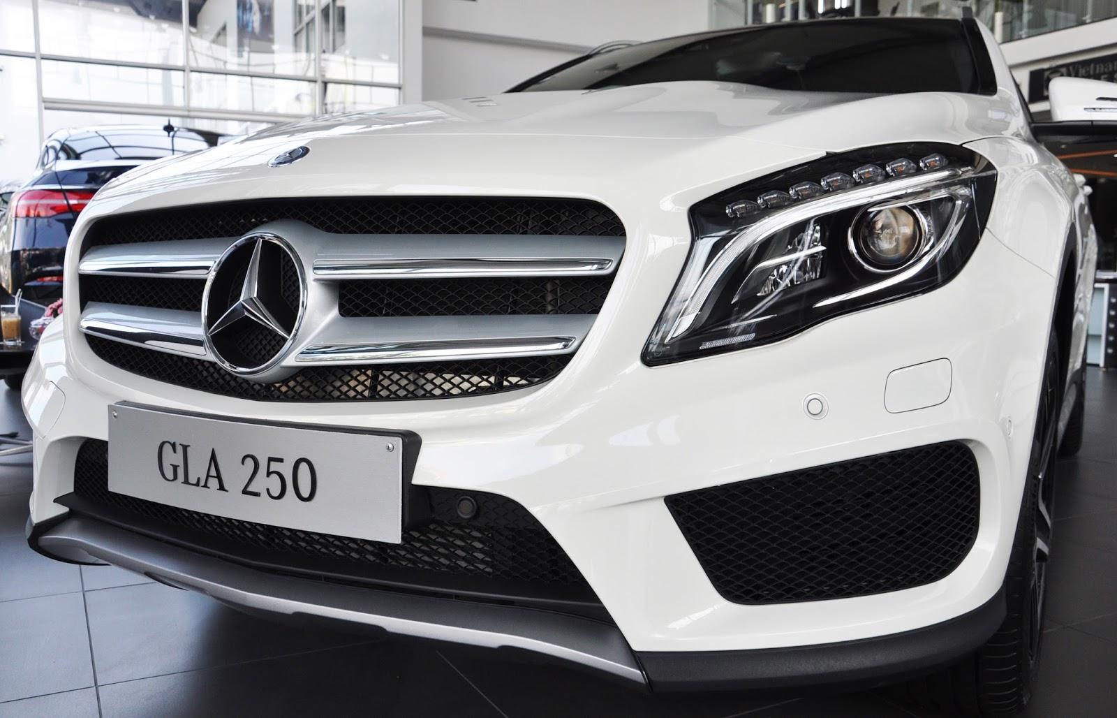 Xe Mercedes Benz GLA 250 4Matic màu trắng 04