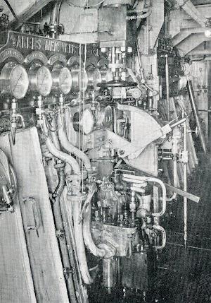Cuadros de control y arranque de los motores Akers.B&W. THE MOTOR SHIP. Abril de 1933
